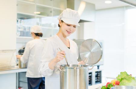 栄屋食品株式会社(ID:サ0174121420-9)のバイトメイン写真