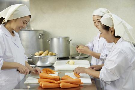 栄屋食品株式会社(ID:サ0174121420-8)のバイトメイン写真