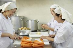 栄屋食品株式会社(ID:サ0174121420-3)