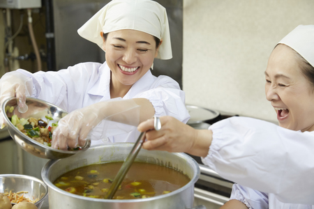 栄屋食品株式会社(ID:sa0174101220-7)のバイトメイン写真
