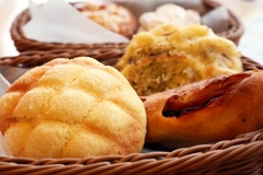 オカザキ製パン株式会社(ID:o0325103020-3)
